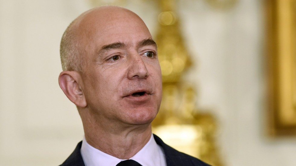Bezos pitches $97.5 million as charity for homeless services and education